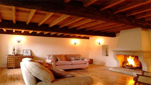 Cork Blarney Castle barn room