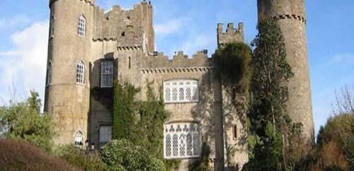 Malahide Castle m <a href='http://www.castlesinireland.com/castle-in-dublin-malahide-castle-dublin/' rel=